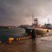 休日(土曜日)の波止場での釣り!日高港湾は人気スポットだけに釣り人が多くて案の定末席に!釣り始めて雷雨があり逃げ帰ってきました。